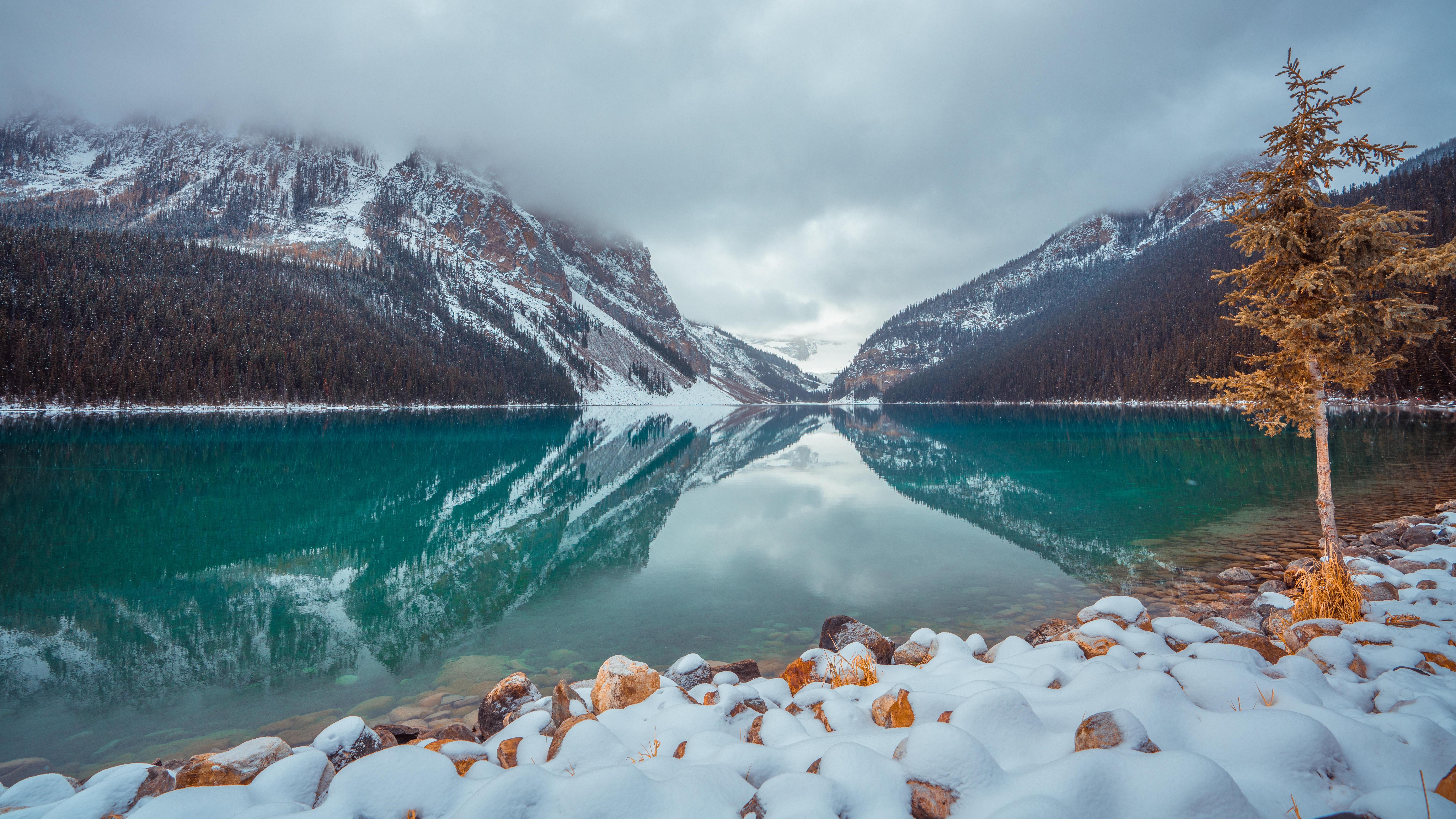 Lake Louise in Winter 8k Ultra HD